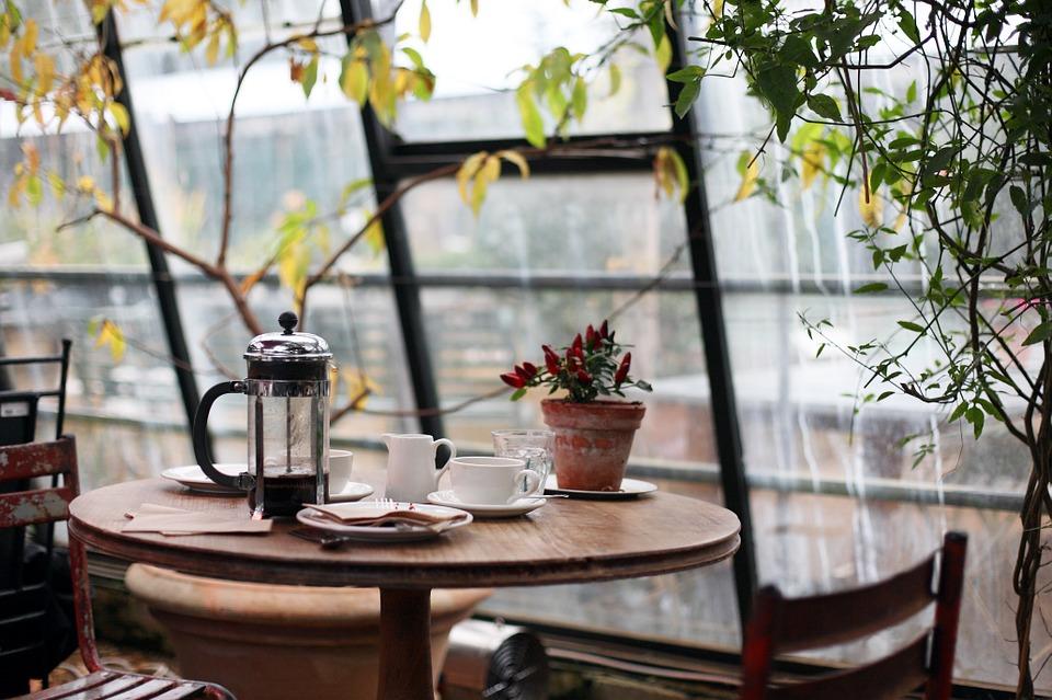Kaffekande på bord