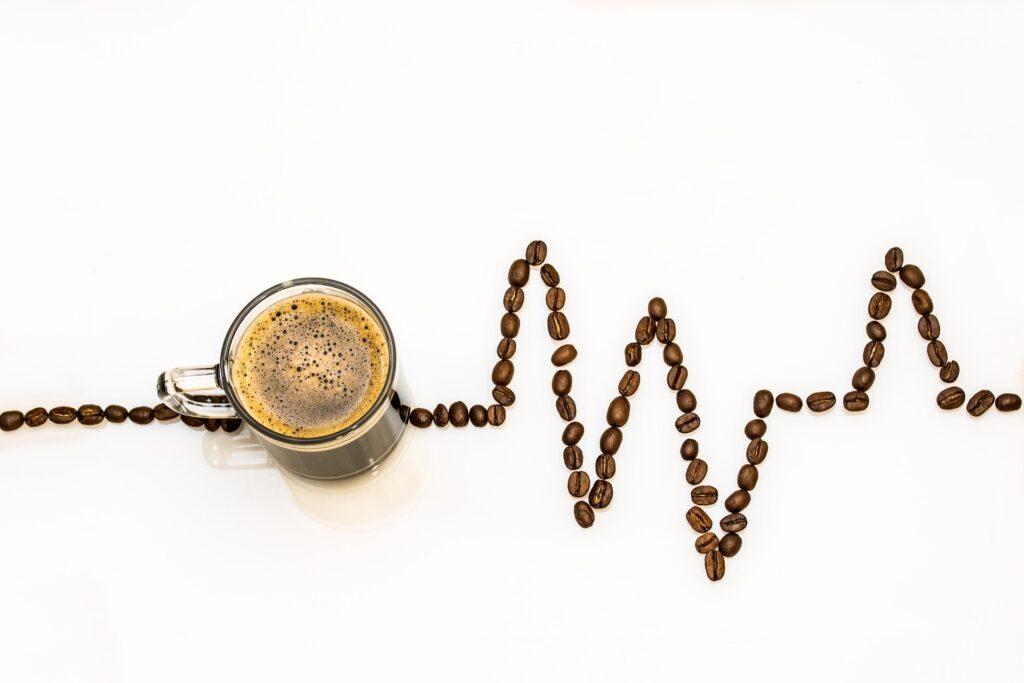 kaffekop og kaffebønner