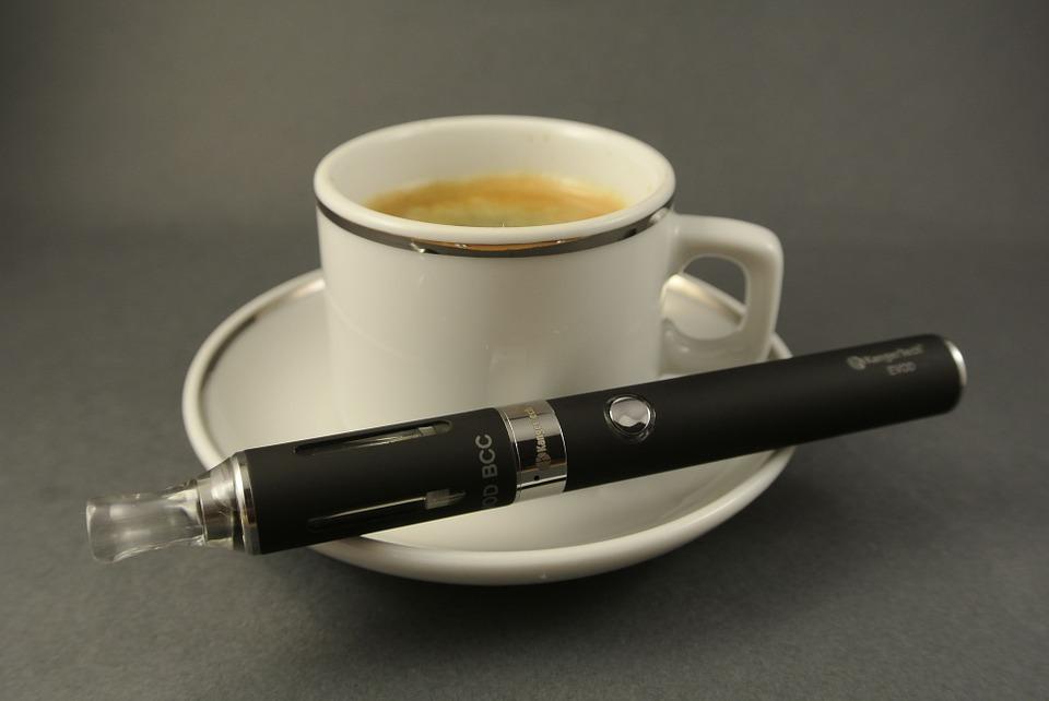 Kaffe og e-cigaret