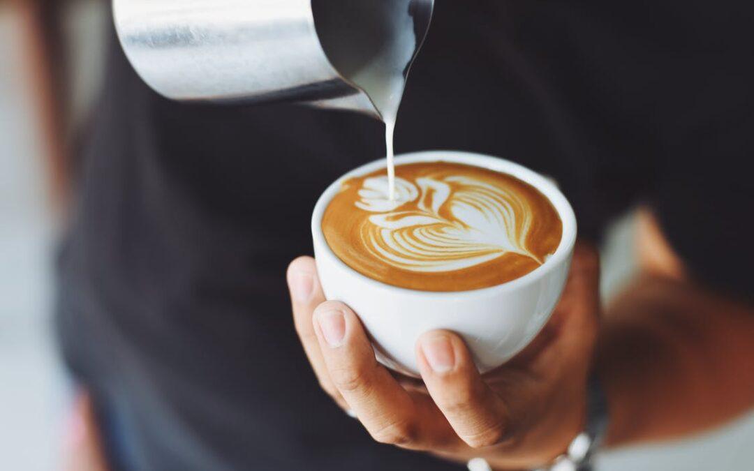 En god kop kaffe nydes bedst på en kaffebar