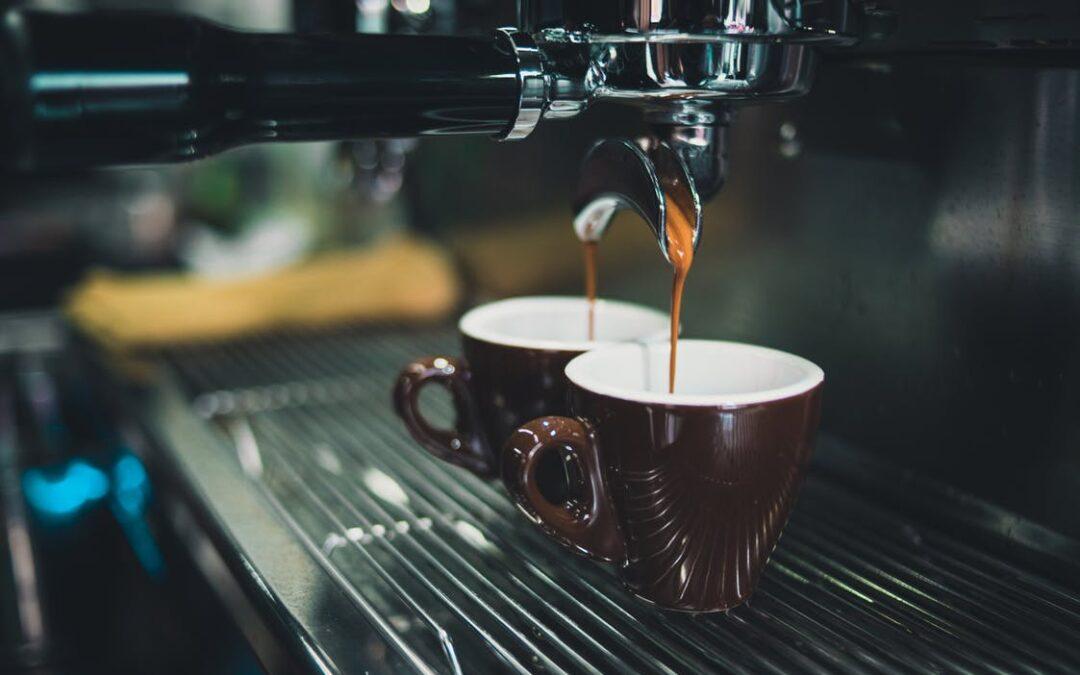 Elsker du kaffe, bør du have en kaffemaskine i dit hjem